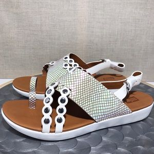 NWB Fitflop Scallop Exotic Back Strap Sandals Sz 8